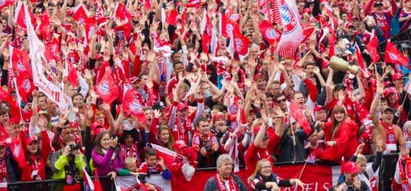 FC Bayern München Meisterfeier auf dem Marienplatz 2015
