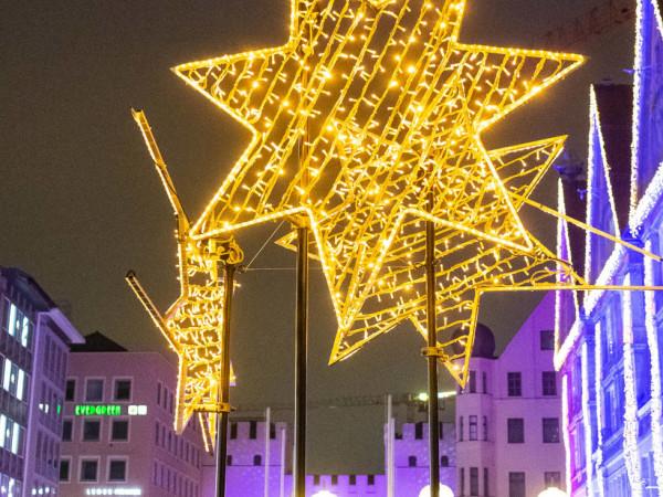 Weihnachtliche Lichtspiele in der Innenstadt