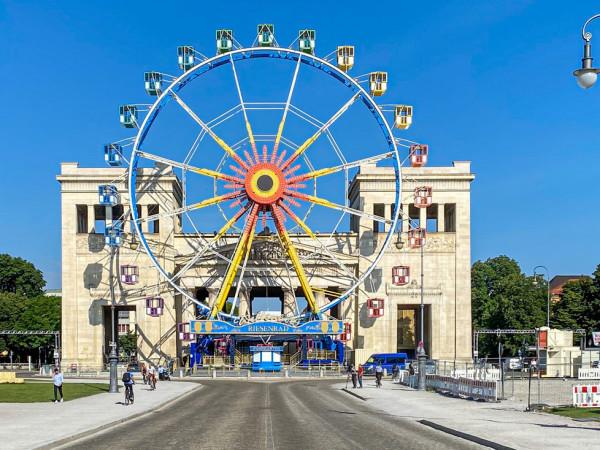 Königsplatz - Sommer in der Stadt
