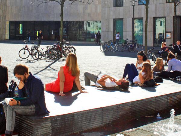 Sonniges Herbstwetter am Sankt-Jakobs-Platz