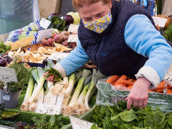 Einkaufen auf dem Münchner Viktualienmarkt