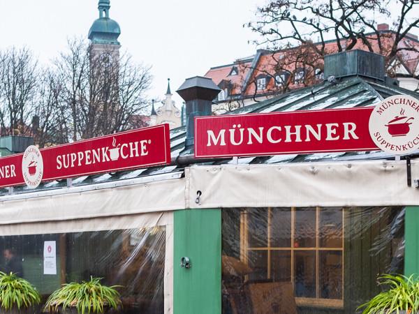 Die Münchner Suppenküche auf dem Viktualienmarkt