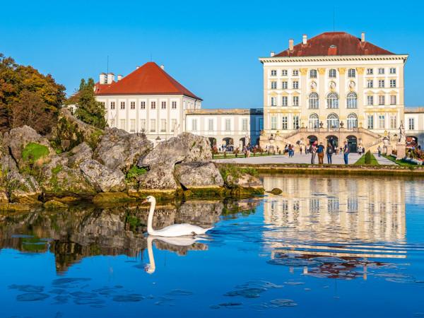 Nymphenburger Schloss im Herbst
