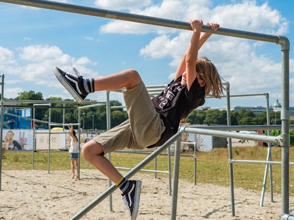 Sommer in der Stadt: Parkour auf der Theresienwiese