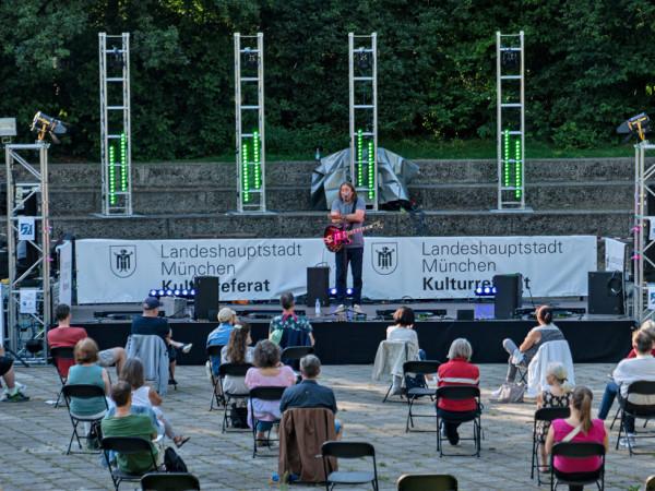Wanderbühne im Ostpark mit Roland Hefter