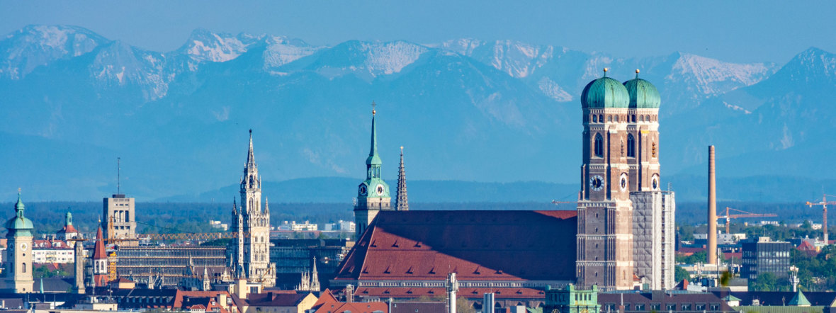 München-Panorama im Mai 2016 - gesehen vom Olympiaberg