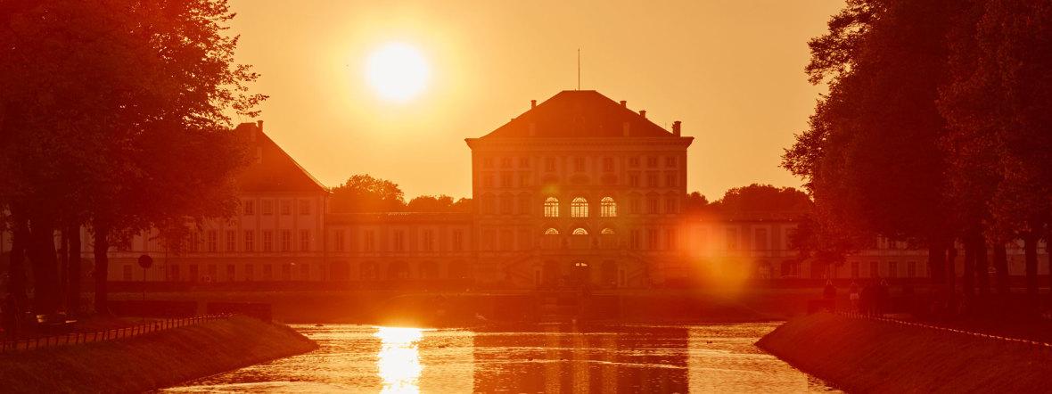 Sonnenuntergang vor Schloss Nymphenburg
