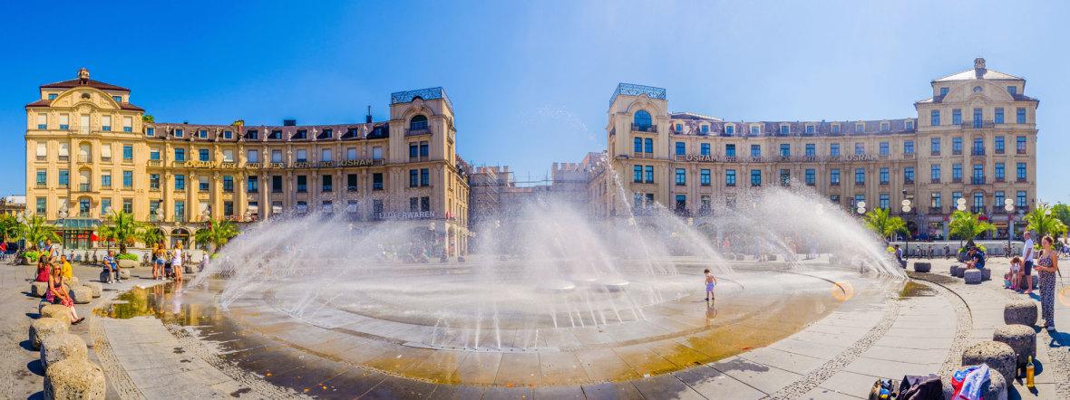 Der Stachusbrunnen im Sommer