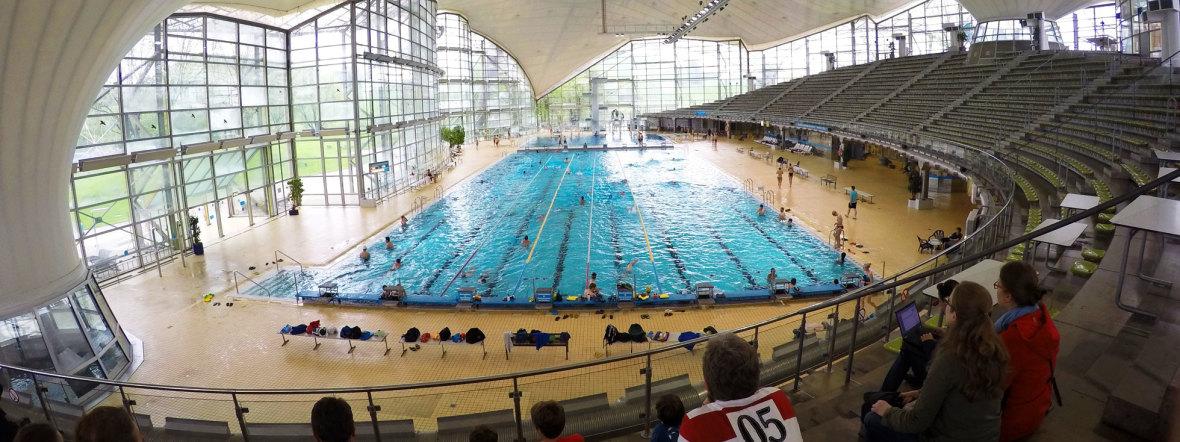 Die Olympia-Schwimmhalle im Olympiapark