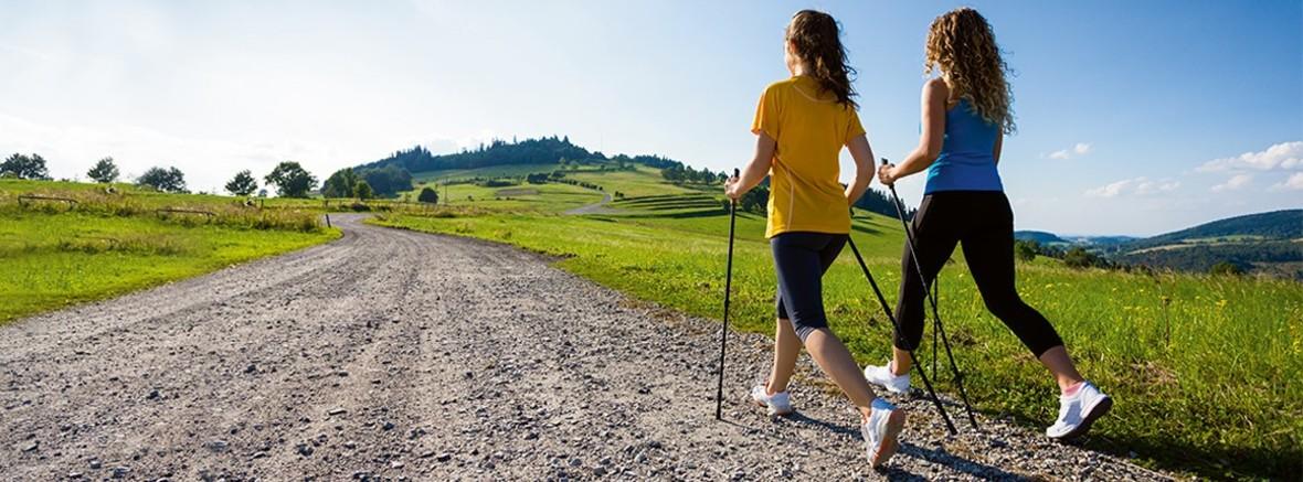 Frauen beim Walken