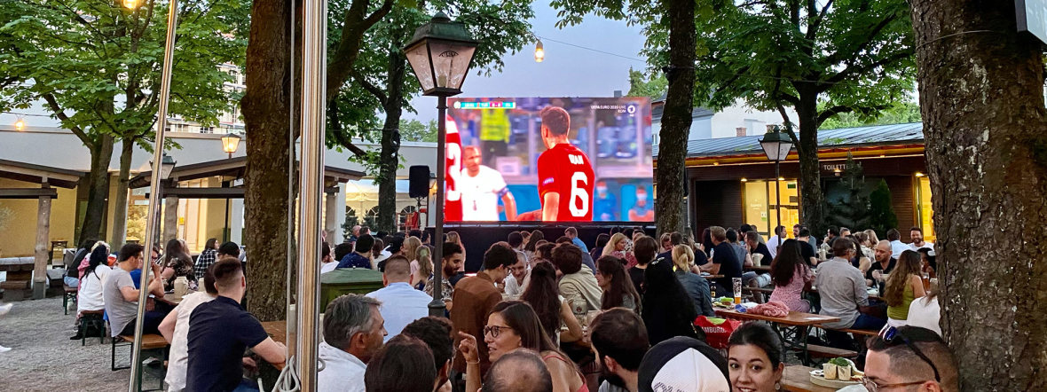 Das Eröffnungsspiel der UEFA EURO 2020 am 11. Juni 2021 beim Paulaner am Nockherberg