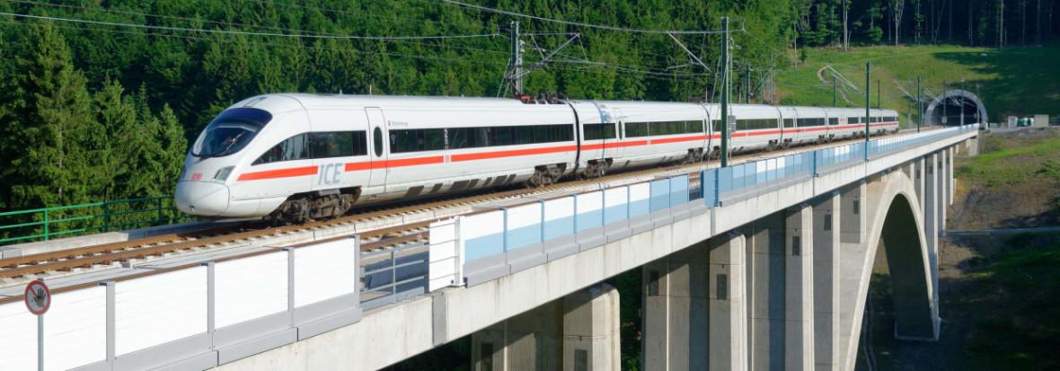ICE auf Gleisen, Foto: Deutsche Bahn AG / Barteld Redaktion
