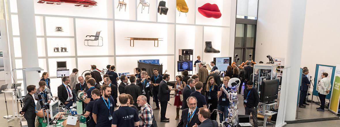 Die Eroeffnung der Munich School of Robotics and Machine Intelligence (MSRM) wird mit einem wissenschaftliches Symposium zur Gruendung der Forschungseinrichtung als erstes seiner Art in der Pinakothek der Moderne in Muenchen gefeiert, Foto: Uli Benz / TU Muenchen