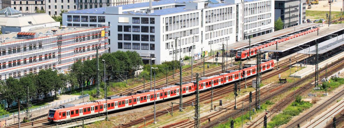 S-Bahn am Ostbahnhof, Foto: Deutsche Bahn / Uwe Miethe