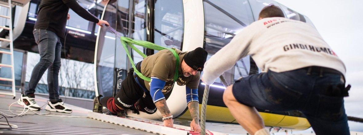 Dreh das Riesenrad: Österreicher stellt Weltrekord auf , Foto: Matthias Balk/dpa