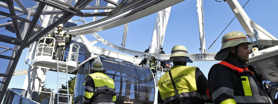 Die Feuerwehr am Einsatzort., Foto: Berufsfeuerwehr München