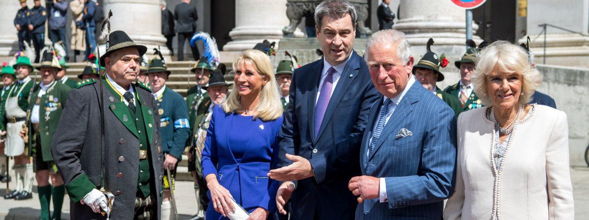 Der britische Thronfolger Prinz Charles (4.v.l) und seine Ehefrau Camilla mit Ministerpräsident Markus Söder (CSU, 3.v.l) und seiner Frau Karin, Foto: Bayerische Staatskanzlei
