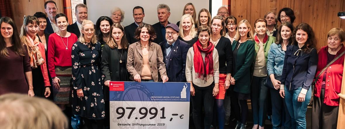 Stiftung der Wiesnwirte überreicht Schecks, Foto: Anette Göttlicher