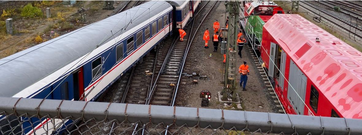 Entgleister Zug an der Hackerbrücke, Foto: Deutsche Bahn