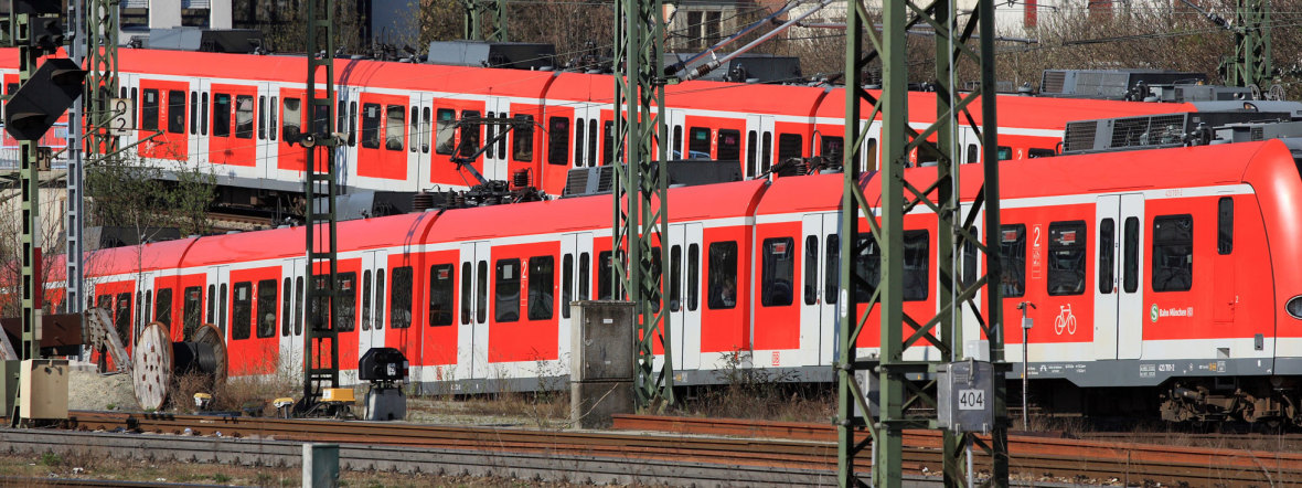 Zwei Züge der Münchner S-Bahn, Foto: Deutsche Bahn AG / Uwe Miethe