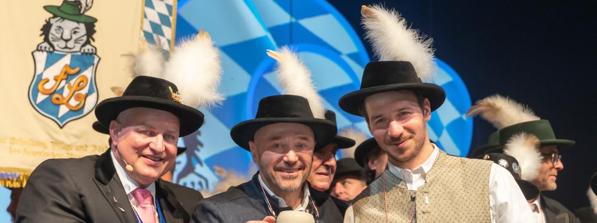Von links: Christian Schottenhamel, Christian und Felix Neureuther auf dem Filserball 2020, Foto: Nockherberg