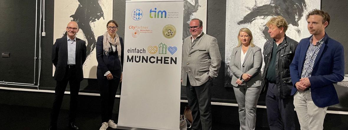 Teilnehmer der Pressekonferenz zur Aktion #münchenistwiederda, Foto: Gunnar Jans