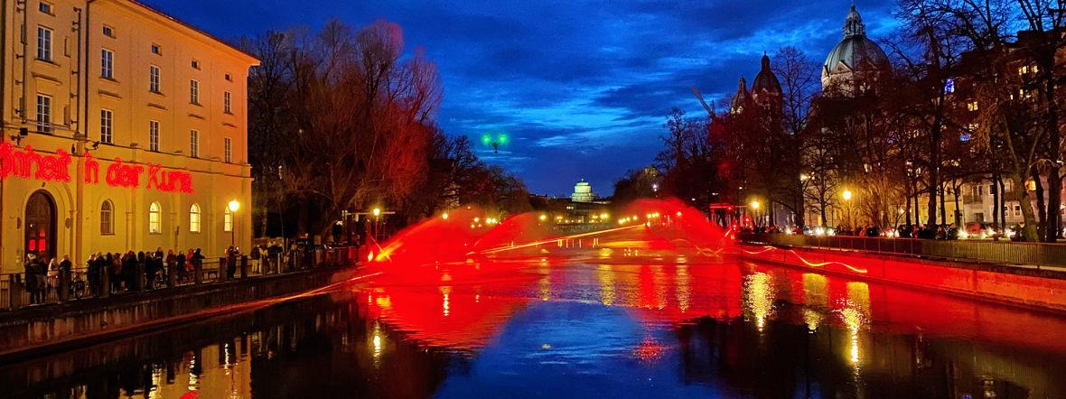 """""""The Burning River"""" im März 2020 an der Isar, Foto: Anette Göttlicher"""