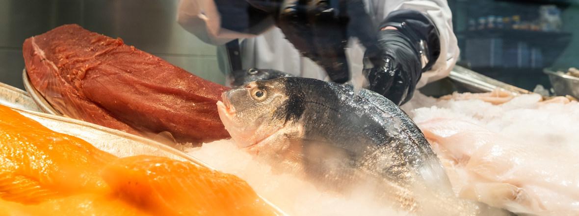 Fisch vom Elisabethmarkt in Schwabing, Foto: Anette Göttlicher