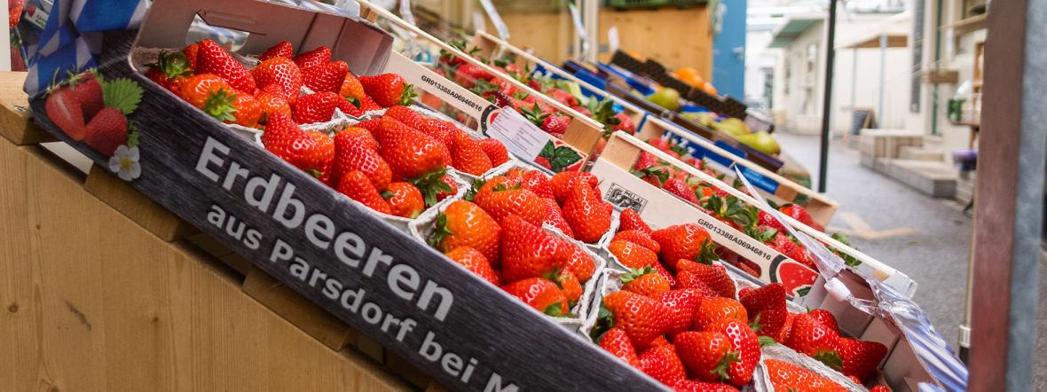 Deutsche Erdbeeren am Elisabethplatz-Markt, Foto: Anette Göttlicher