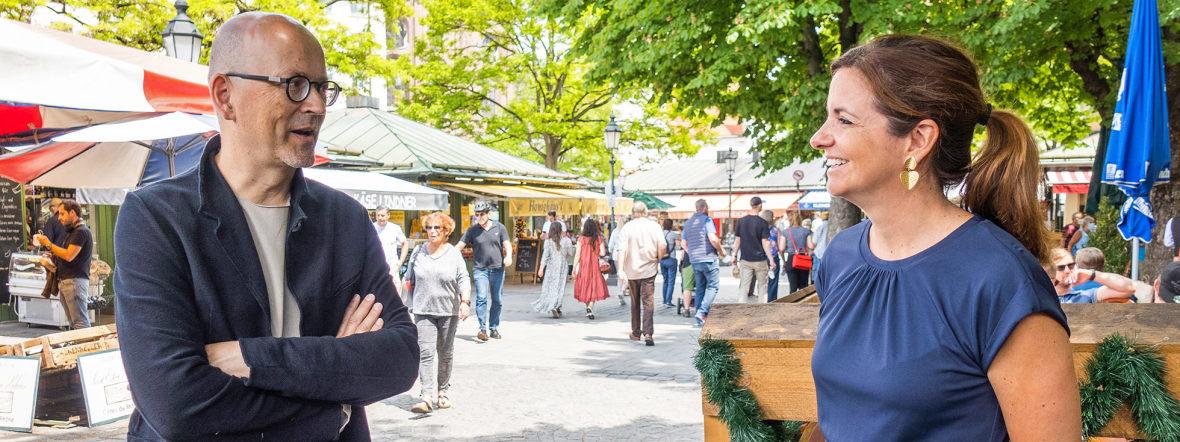 Architekt Rainer Hofmann und Kommunalreferentin Kristina Frank auf dem Viktualienmarkt, Foto: Anette Göttlicher