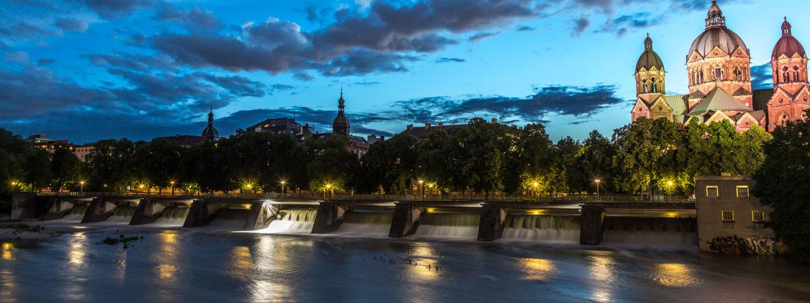 St. Lukas bei Nacht