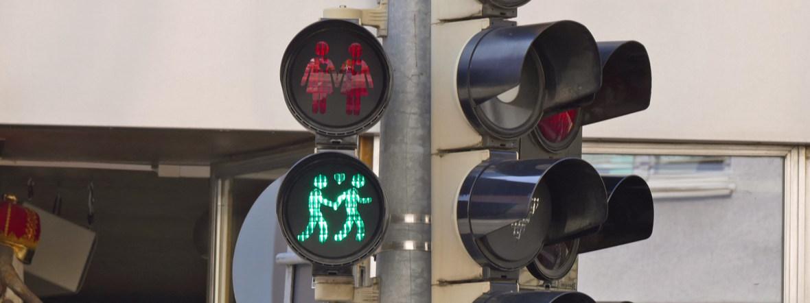 Toleranz-Ampeln zum CSD an der Ecke Müllerstraße/Fraunhoferstraße, Foto: muenchen.de/Mark Read