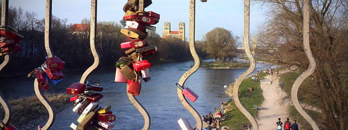 Liebesschlösser an der Wittelsbacher Brücke, Foto: muenchen.de/Mark Read