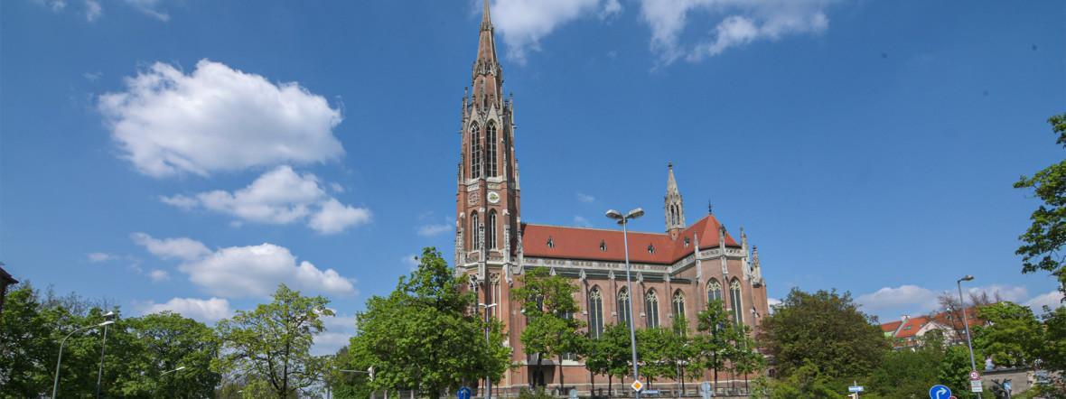 Heilig-Kreuz-Kirche in Obergiesing, Foto: muenchen.de/Michael Hofmann