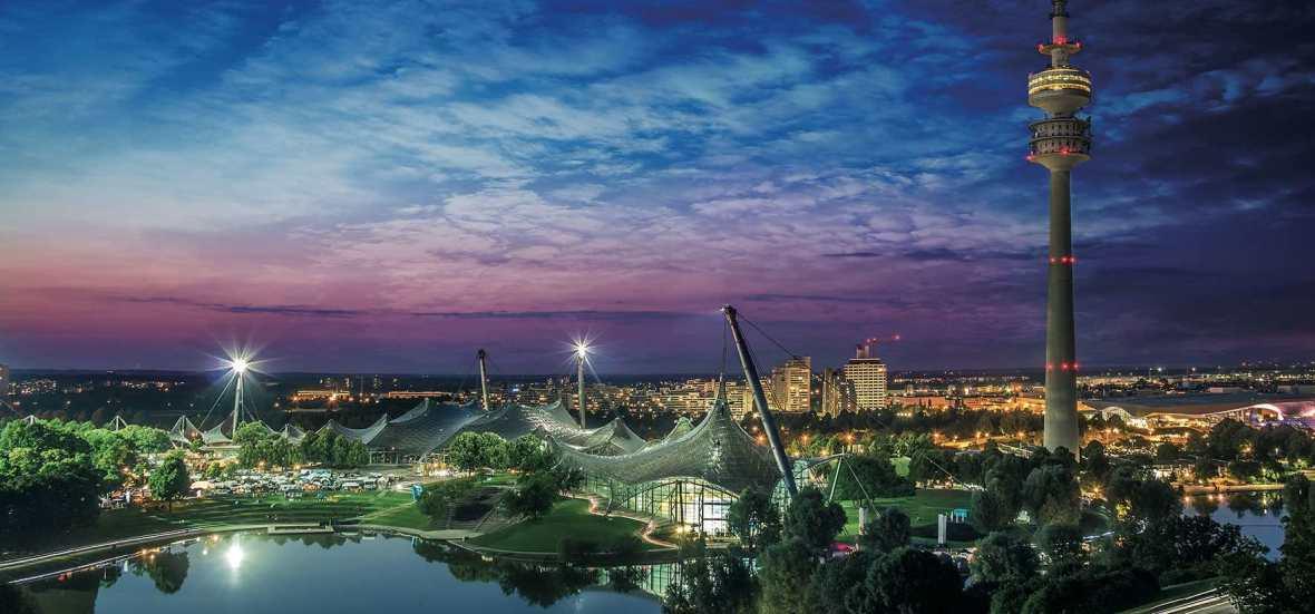 Olympiapark München bei Nacht, Foto: SWM