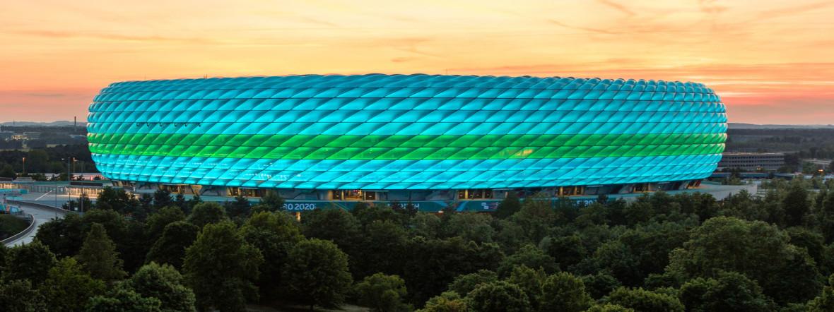 So leuchtet die Fußball Arena München bei der EM, Foto: Allianz Arena / Bernd Ducke