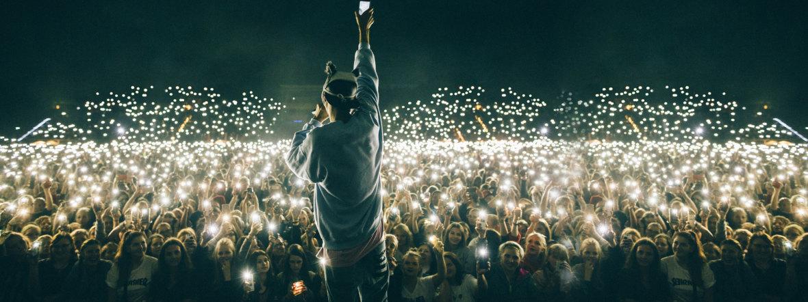 Cro live auf der Bühne, Foto: Chimperator