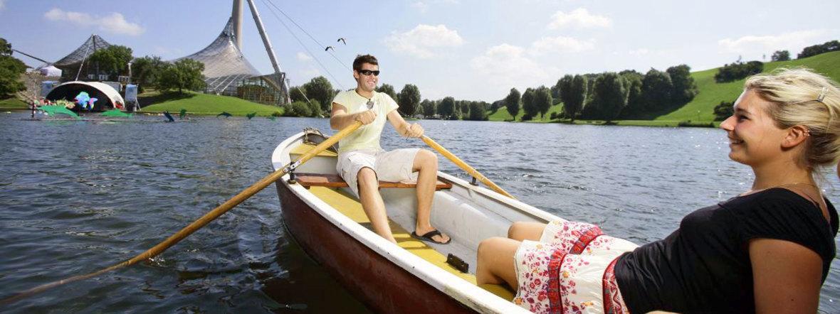 Bootfahrer im Olympiasee, Foto: Olympiapark München
