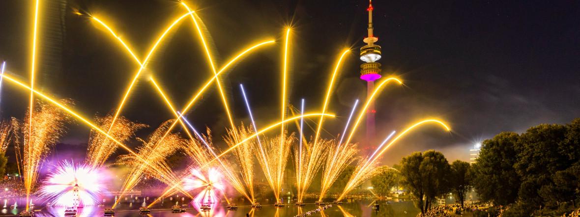 Feuerwerk beim Sommernachtstraum im Olympiapark, Foto: Anna Schnauss, Münchner Sommernachtstraum