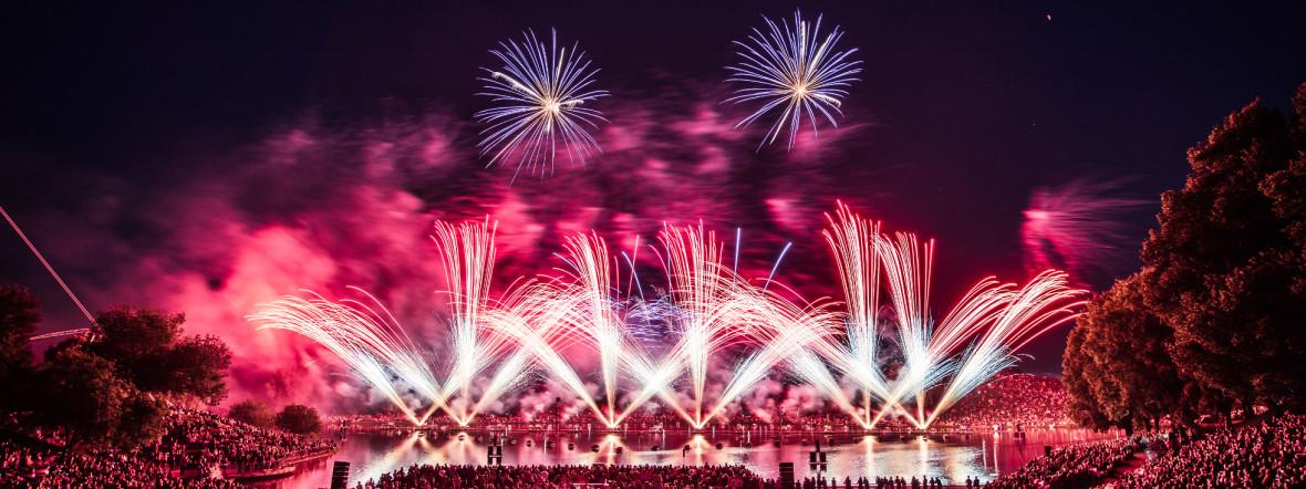 Feuerwerk beim Sommernachtstraum im Olympiapark, Foto: Fabian Stoffers, Münchner Sommernachtstraum