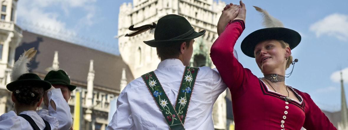 Paar in Tracht beim Stadtgründungsfest, Foto: Lukas Barth
