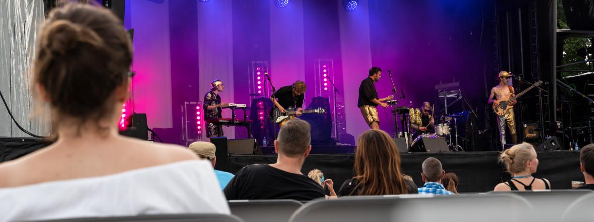 Django 3000 rocken die Sommerbühne, Foto: muenchen.de/Rico Güttich