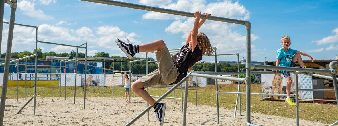 Sommer in der Stadt: Parkour auf der Theresienwiese, Foto: muenchen.de/Anette Göttlicher