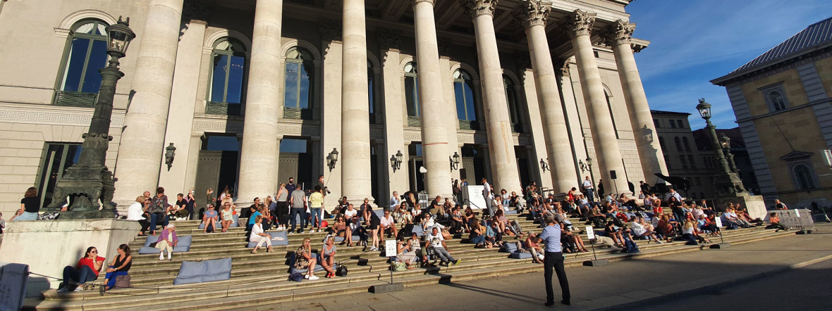 Die Stufenbar vor dem Nationaltheater, Foto: muenchen.de/Saskia Ziegler