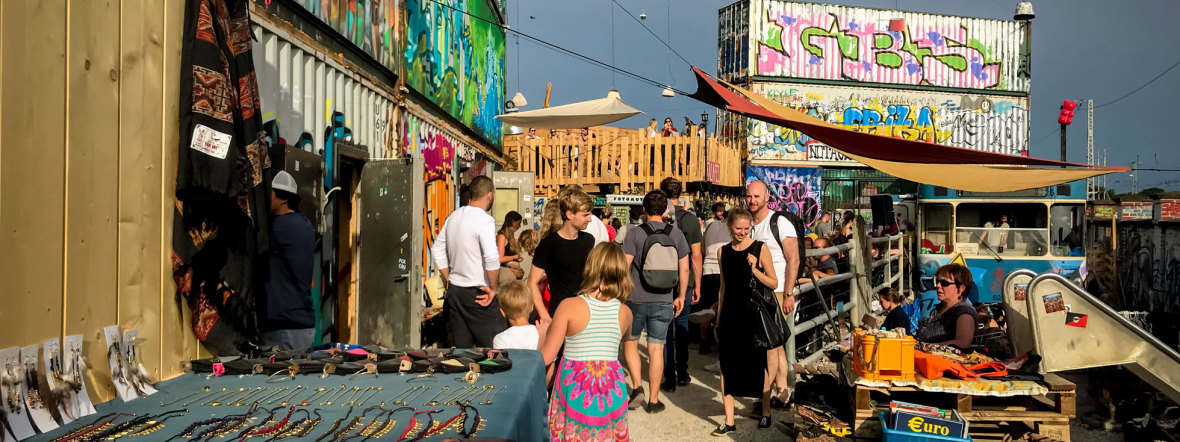Flohmarkt Krims & Krams beim Bahnwärter Thiel, Foto: Daniel Hahn