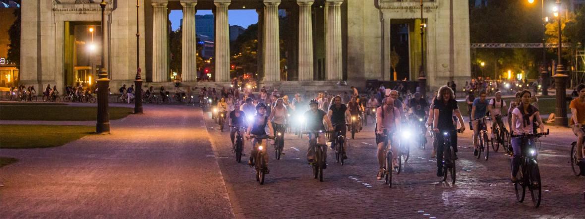Radfahrer bei der Münchner Radlnacht